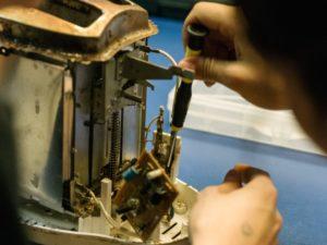 Schulreparaturwerkstatt Toaster