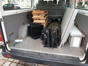 Gespendete Hardfware im Kofferraum
