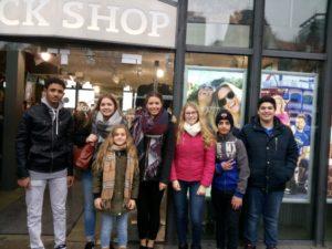 Lokale und geflüchtete Jugendliche