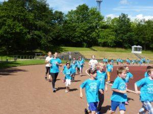 Läufer beim Sponsorenlauf