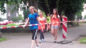 Läuferinnen laufen aus