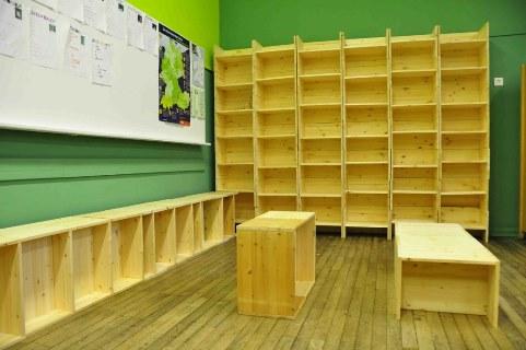 Fertiges Bücherregal Richard Grundschule