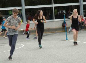 Schüler der Schulregion Raron laufen für Ecuador