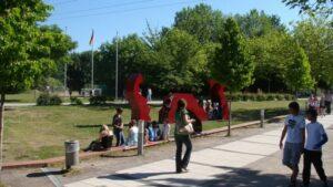 Die Schüler der Gymnasium Marienthal erobern die Skulpturen