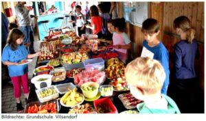 Für das leibliche Wohl der Läufer des Sponsorenlauf der Grundschule Vilsendorf ist gesorgt