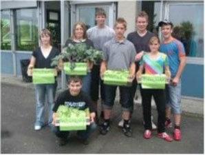 Die Wilhelm-Leuschner-Gesamtschule kann ihre Cafeteria zum ersten mal mit Obst und Gemüse versorgen.