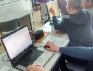 Mittelpunktschule Trebur, im Rahmen der PC-Spende im NaWi- und Physikraum.