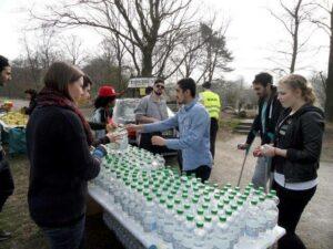 Wasserversorung während des Sponsorenlaufs