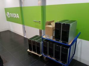 PCs auf Rollcontainer
